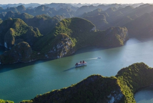 Hanoi: 2-Day Luxury Halong Bay and Lan Ha Bay Cruise