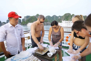 Hanoi: 2-Day Small-Group Ha Long and Tu Long Bay Cruise