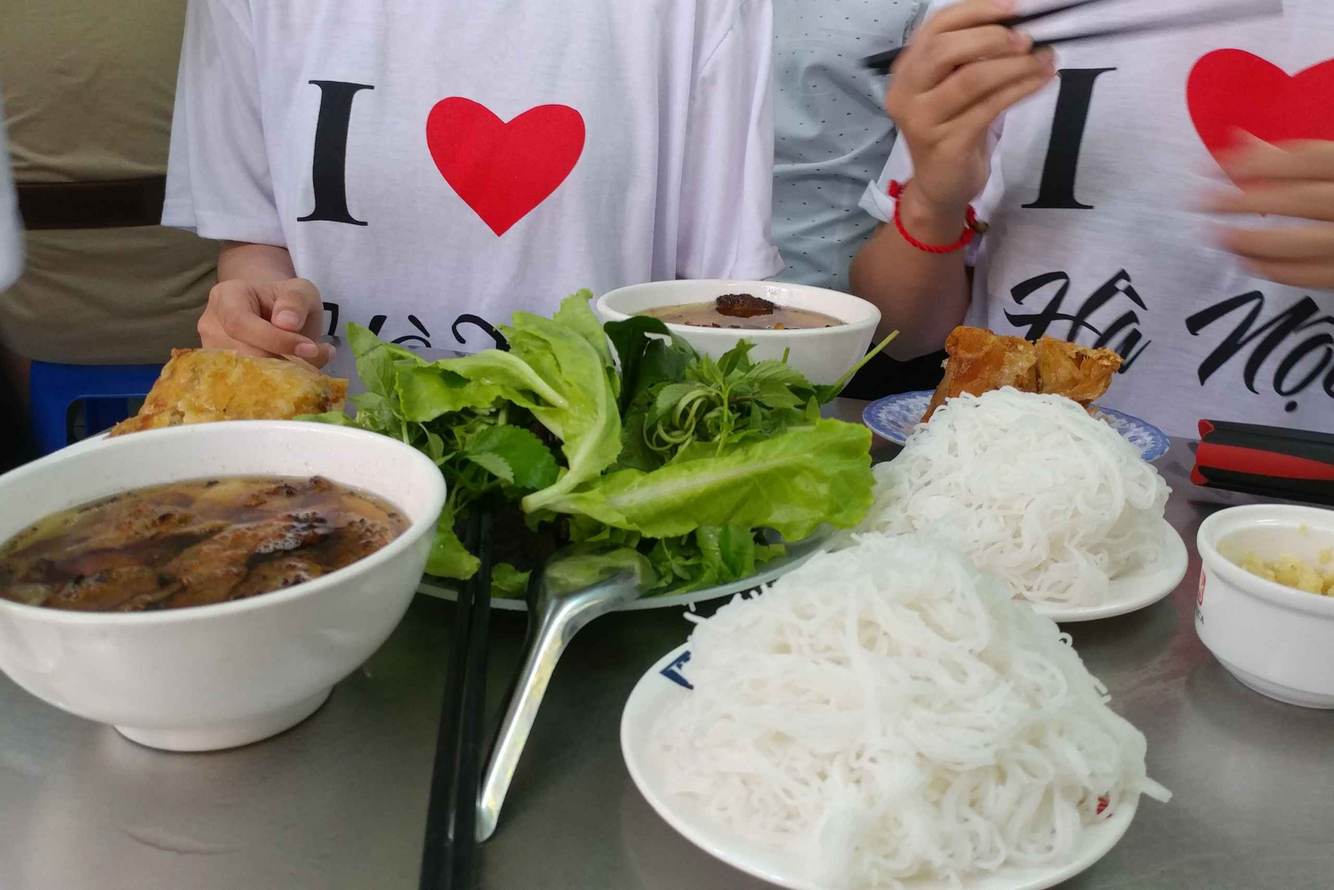 Hanoi: 5-Hour Street Food Tour by Motorbike