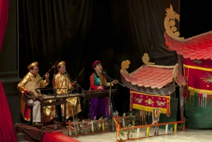 Hanoi: Night Market Tour, Water Puppet Show and Dinner