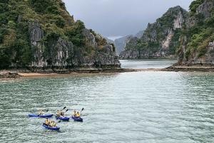 Hanoi: Overnight Cruise in Halong and Lan Ha Bay
