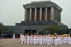 Hanoi: Private Mausoleum and Ethnology Museum Tour