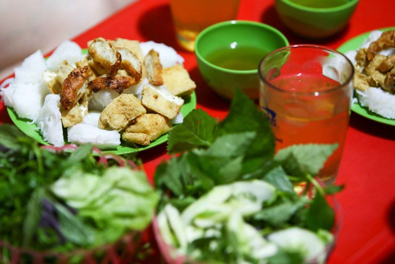 Hanoi: Small Group Street Food Walking Tour By Night
