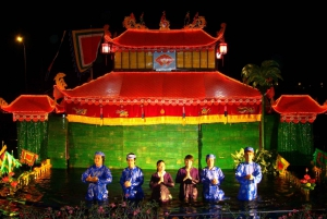 Hanoi: Water Puppet Show and Private Food Tour by Night