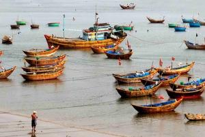 Ho Chi Minh: 2-Day Mui Ne Beach Tour with Sand Dune Sunrise
