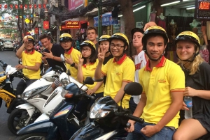 Ho Chi Minh City: Nightlife Motorbike Tour with Dinner