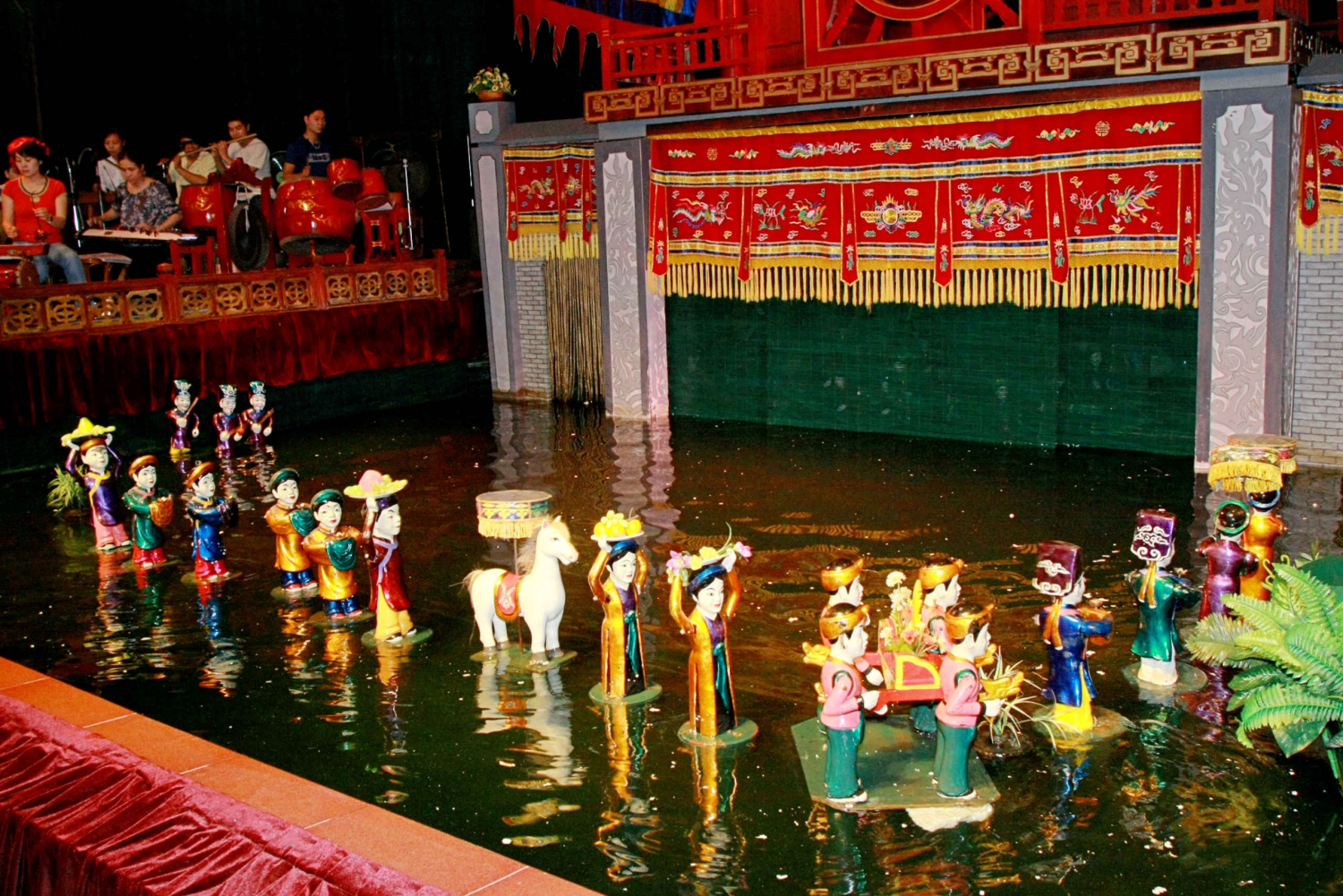 Ho Chi Minh City:Water Puppet Show & Traditional Performance