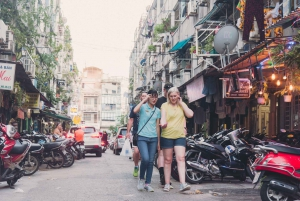 Ho Chi Minh: Scooter Tour of Chinatown