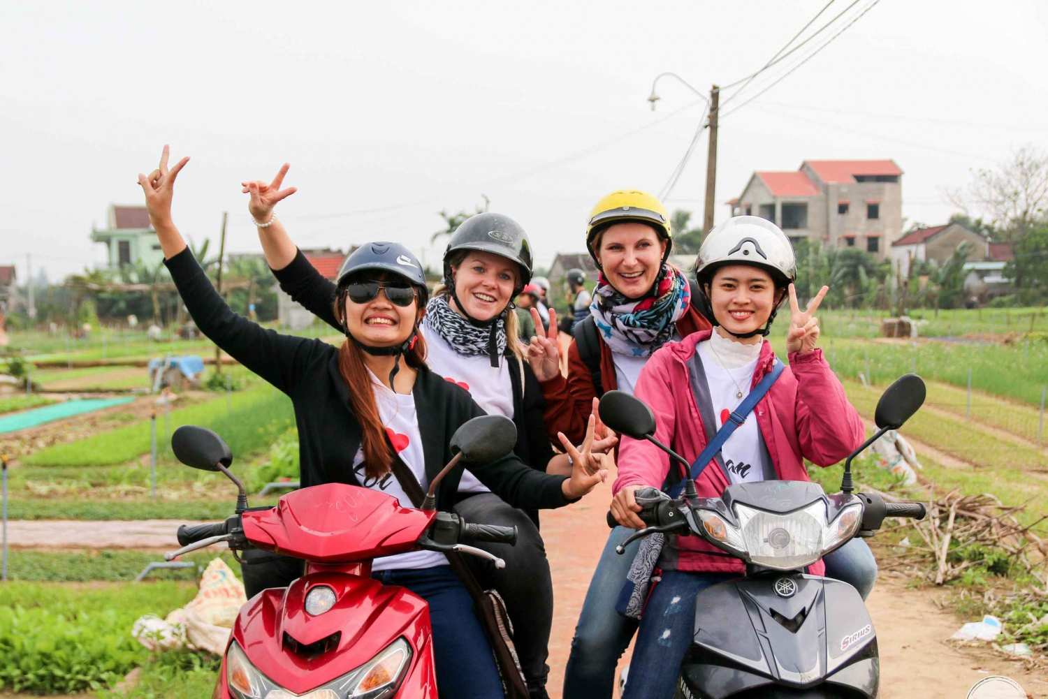 Hoi an: 5-Hour Street Food Tour by Motorbike