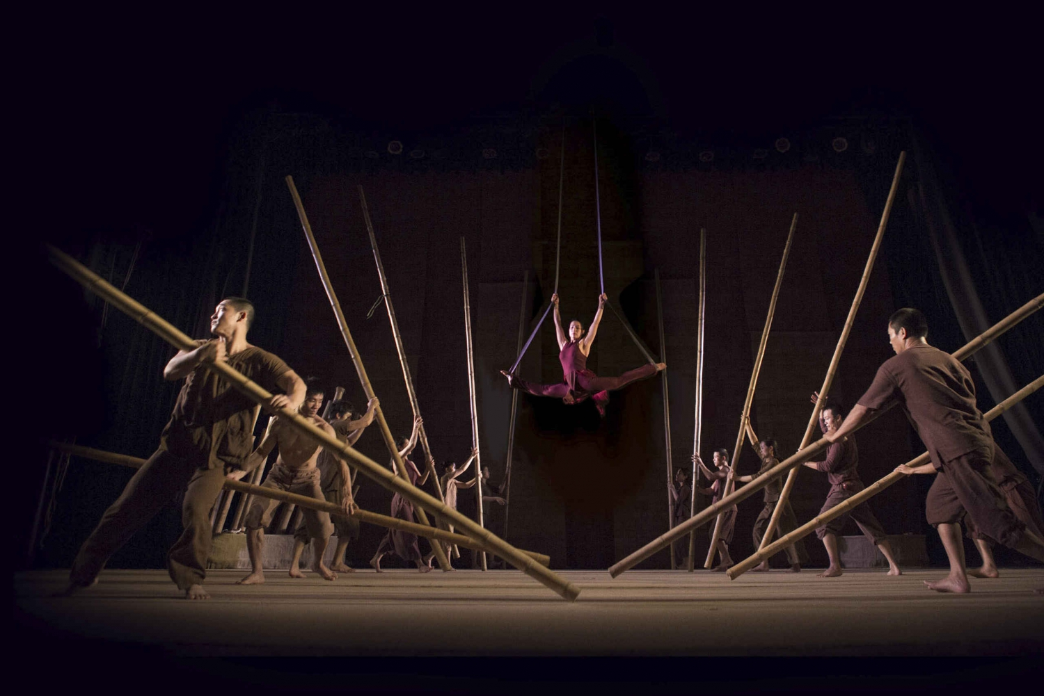 Lang Toi: Vietnamese Culture Show at Vietnam Tuong Theater