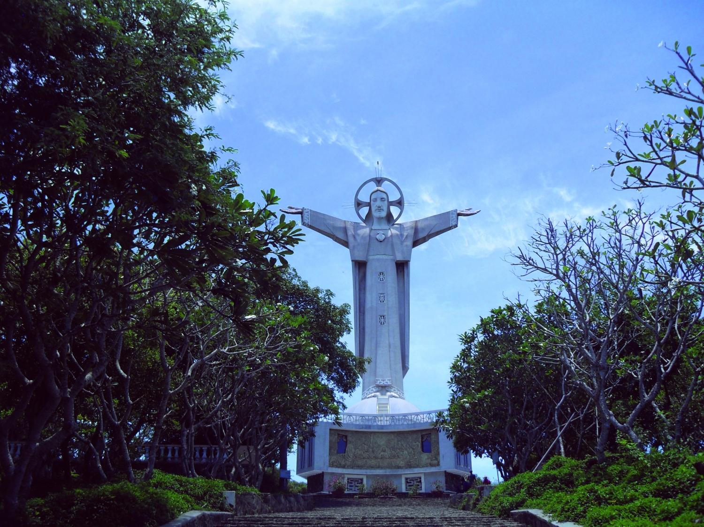 Kito Statue