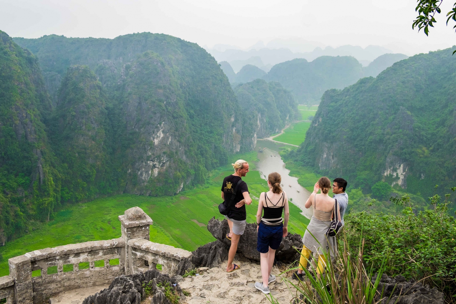 Magnificient 2-Day Hoa Lu, Tam Coc, Mua Cave & Bungalow Stay