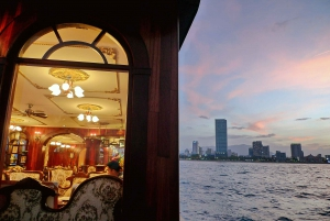 Nha Trang: Romantic Sunset Cocktails and Dinner Cruise