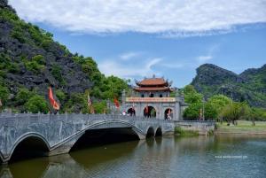 Ninh Binh Daily Tour: Hoa Lu, Am Tien Cave, and Trang An