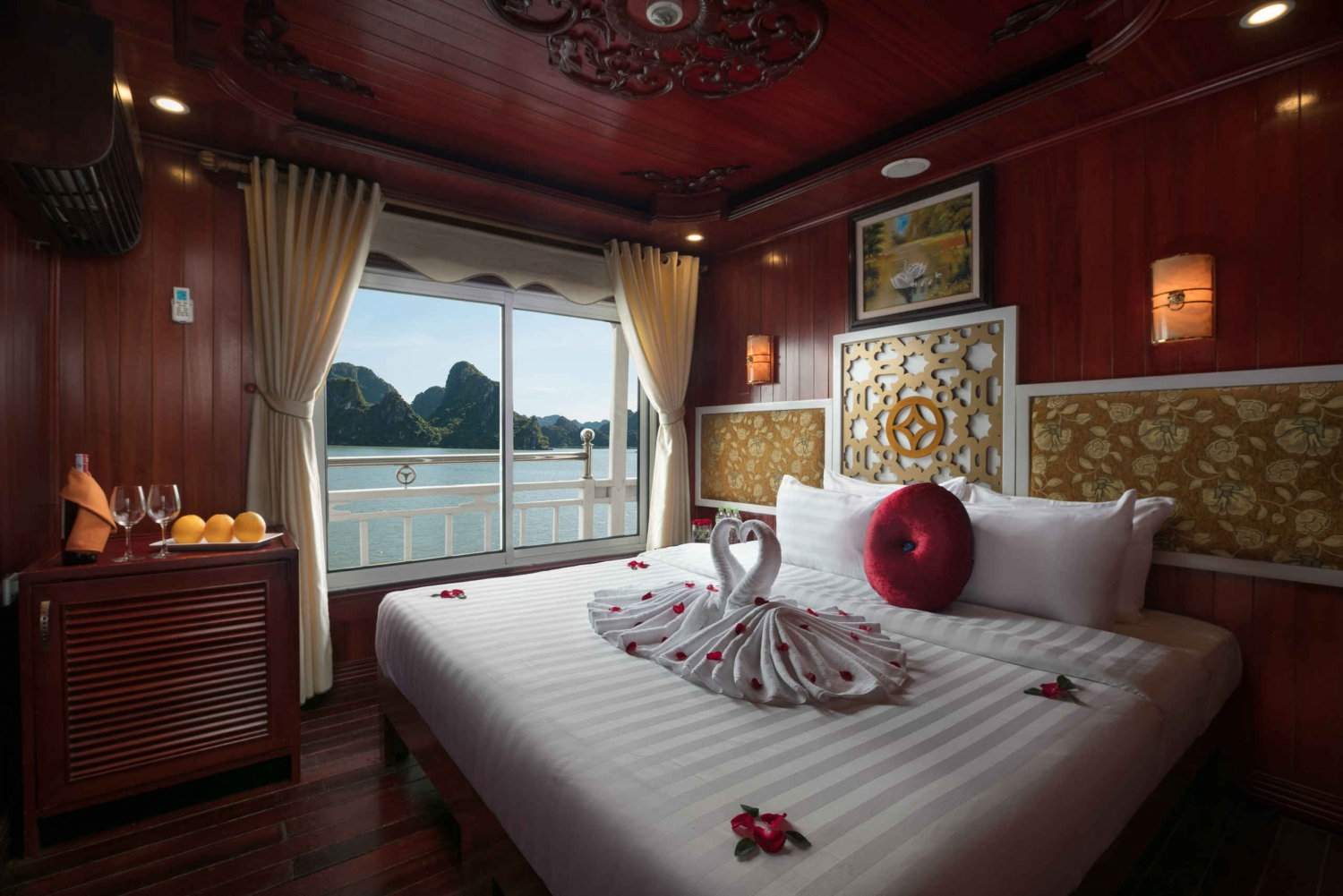 Overnight Halong Bay on Rosa Boutique Cruise