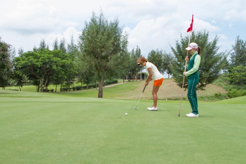 Paradise Golf Club