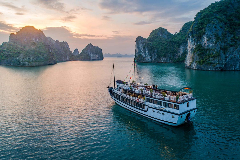 Pristine Bai Tu Long Bay 3-Day w/ Swan Boutique Cruise 4*