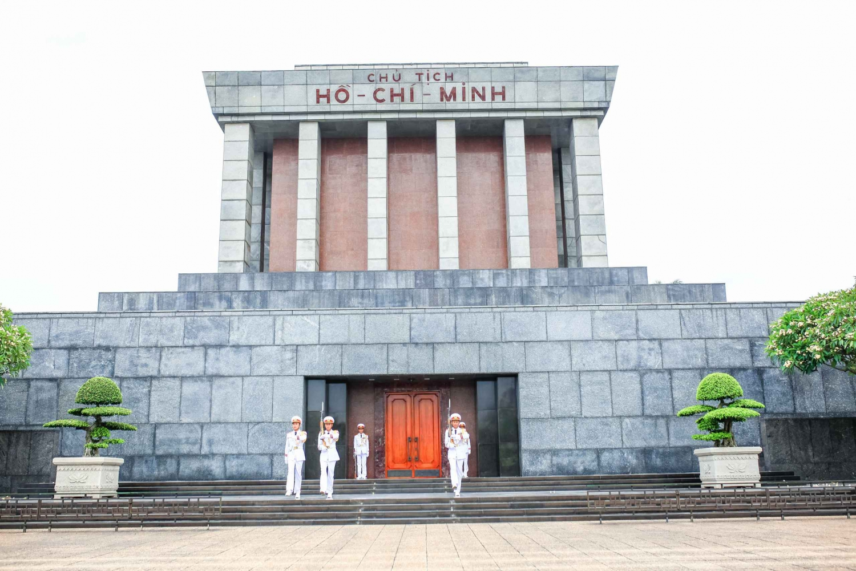 Private Half-Day Hanoi City Tour: Mausoleum, Temple & Pagoda