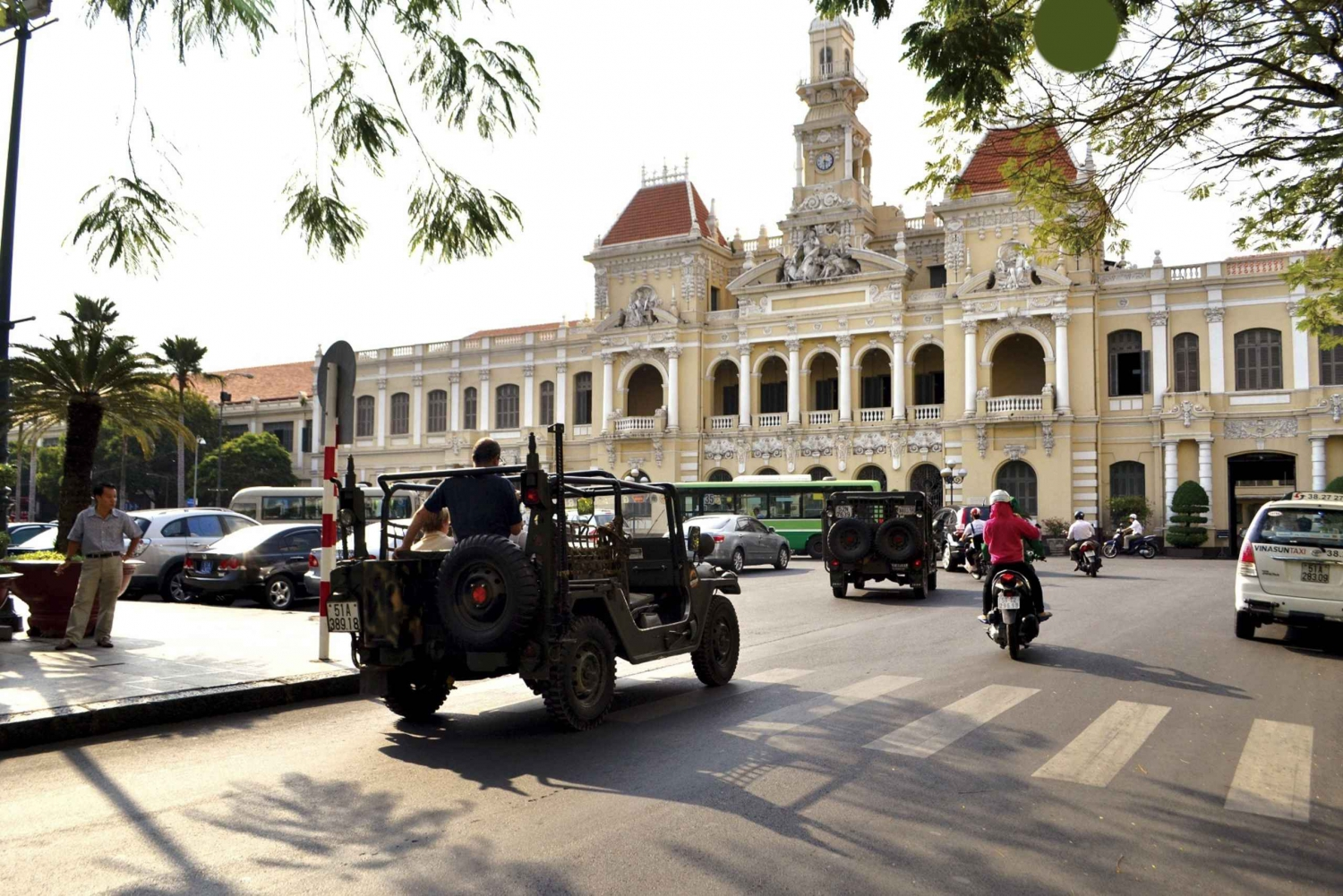 Private Jeep Tour: Independence Palace & FITO Museum
