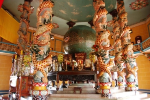 Private tour to Cao Đài Temple and Cu Chi Tunnels