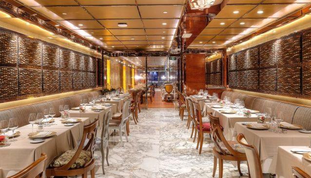 R & J Italian Lounge and Restaurant