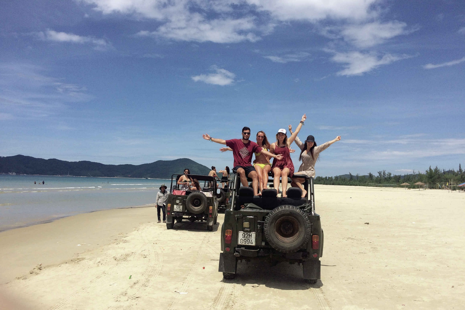 Retro Jeep Transfer from Hoi An to Hue via the Hai Van Pass