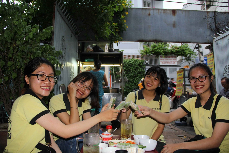 Saigon: Food & Nightlife Experience By Foot