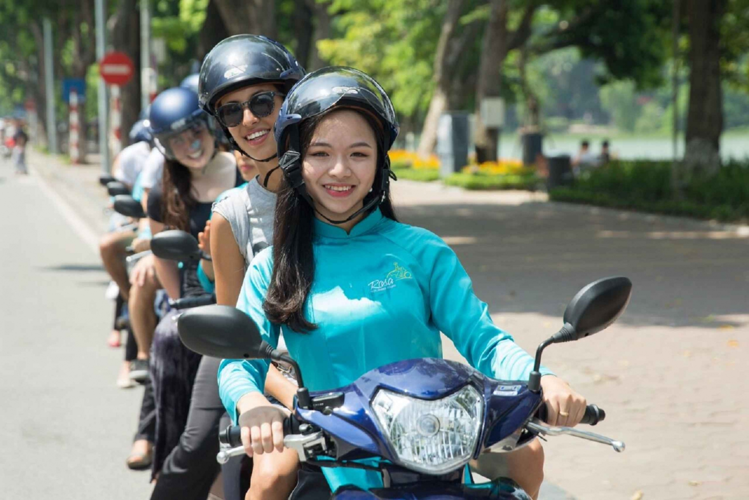 Sights and Tastes of Hanoi by Night on Motorbike Group Tour