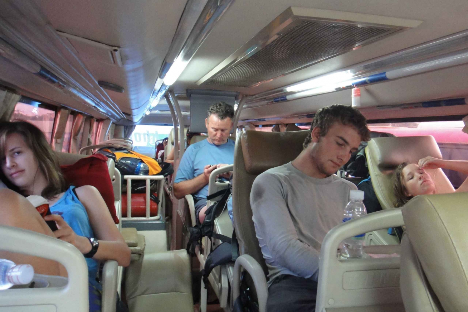 Sleeper or Sitting Bus Ticket from Hue to Hoi An
