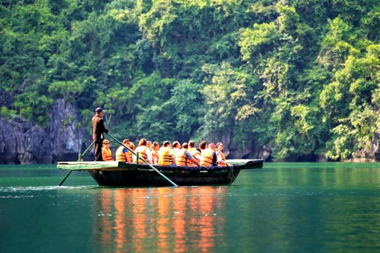 Stunning Bai Tu Long Bay with Swan Cruise