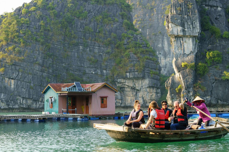 Swan Cruise: Bai Tu Long Bay, Cave & Vung Vieng Village