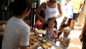 Tay Ho Weekend Market