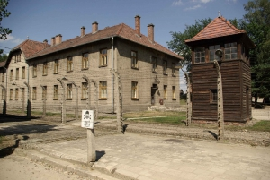 From Warsaw: Auschwitz-Birkenau Small Group Tour with Lunch