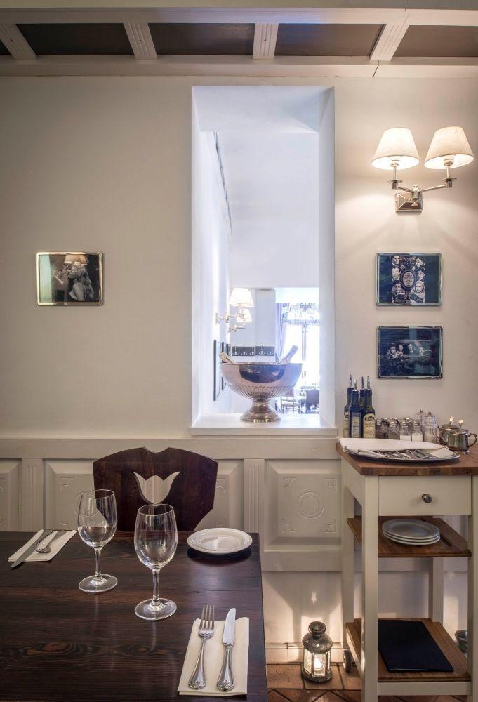 La Dolce Vita Bakery And Wine Bar Cafe