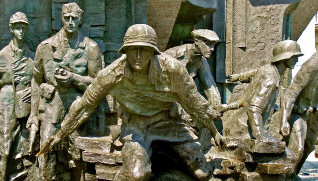Monument to the Heroes of Warsaw Uprising