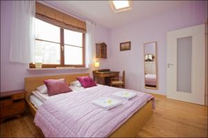 Kepna Bedroom