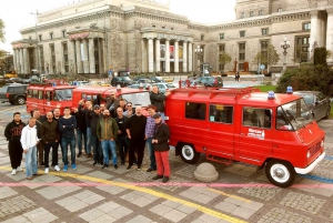 Warsaw: Behind the Scenes City Tour by Retro Minibus