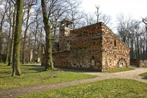 Warsaw: Full-Day Outskirts Private Tour