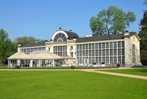 Warsaw: Lazienki Park Small Groups Tour
