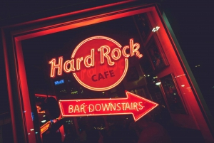 Warsaw: Lunch or Dinner at Hard Rock Cafe with Skip-the-Line