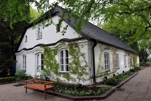 Warsaw: Private Half-Day Zelazowa Wola Tour