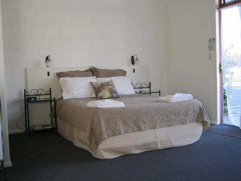 ... Acorn Estate Motel Masterton ...