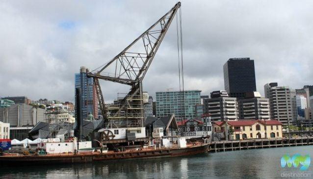 Hikitia Floating Crane