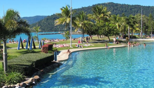 Airlie Beach For Free