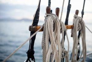 Airlie Beach: Sunset Sail to Whitsundays