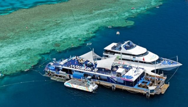 Cruise Whitsundays - Great Barrier Reef & Islands in
