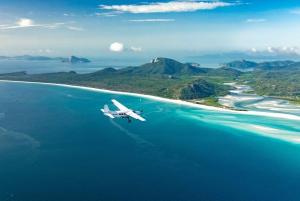 From Airlie Beach: 60-Minute Whitsundays Scenic Flight