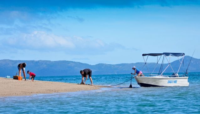 Hamilton Island Dinghy Hire