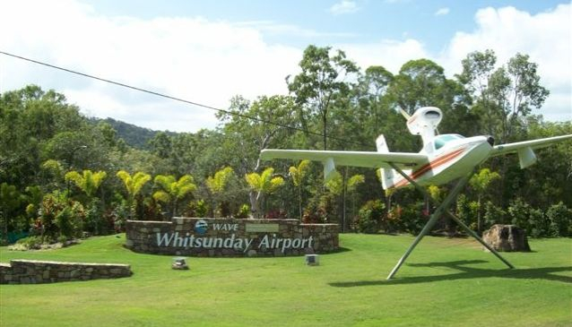 Whitsunday Airport (Flaimtree )