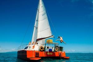 Whitsunday Islands: 2-Night Sailing Adventure Tour